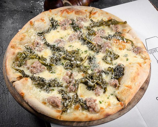 Пицца Сальсичча и фриарелли