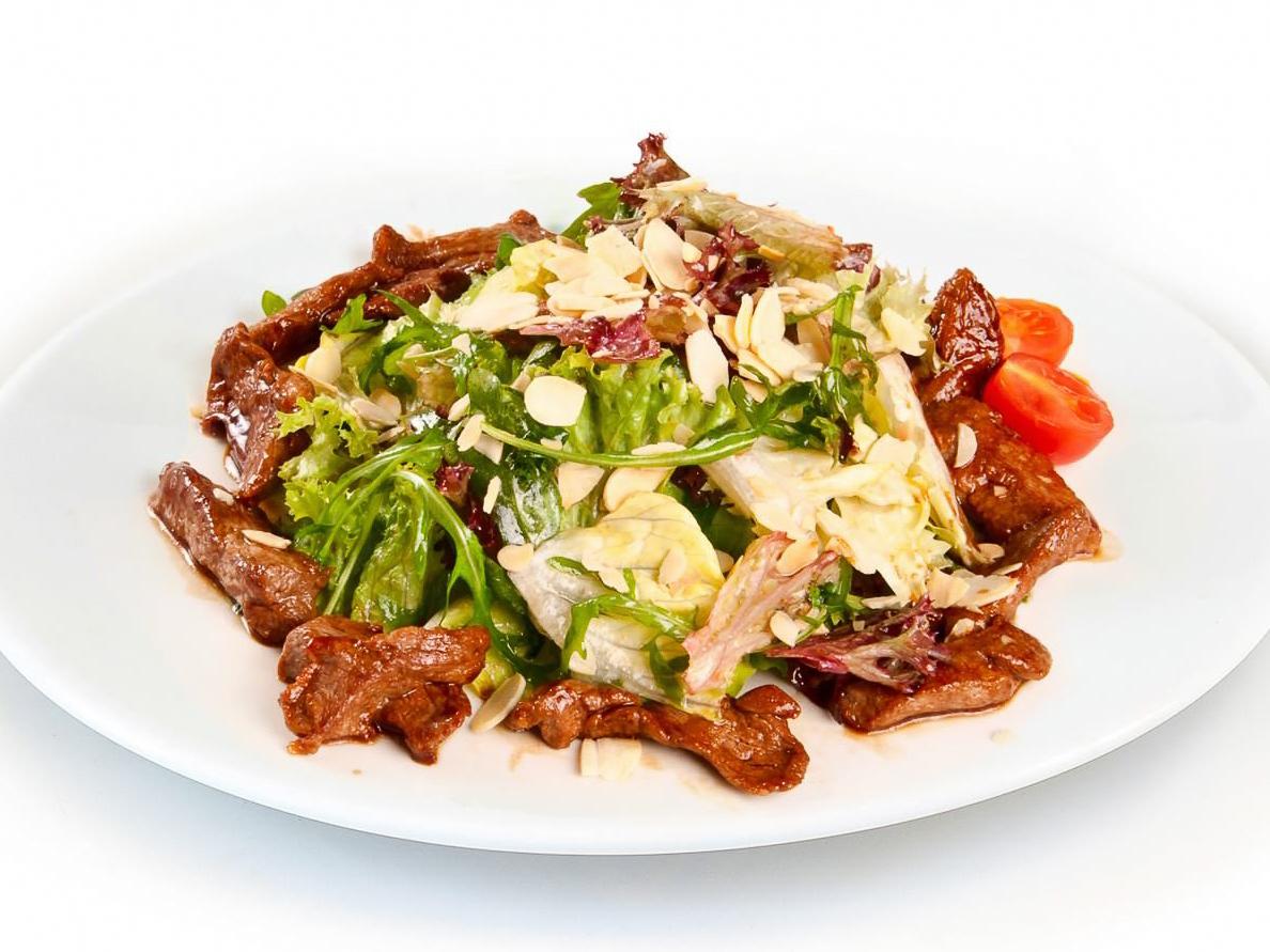 Теплый салат Эй-эм