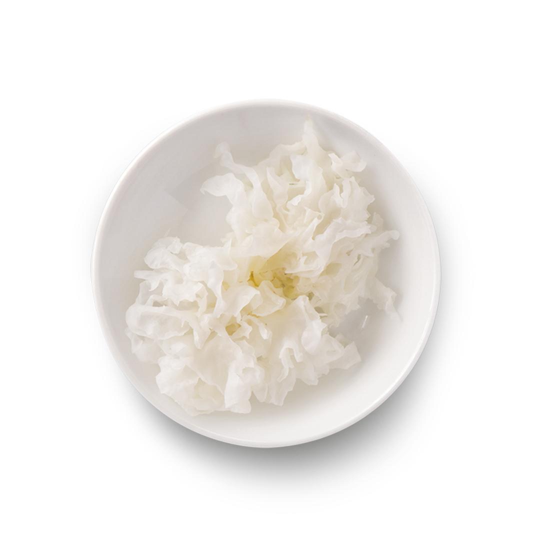 Белые древесные грибы