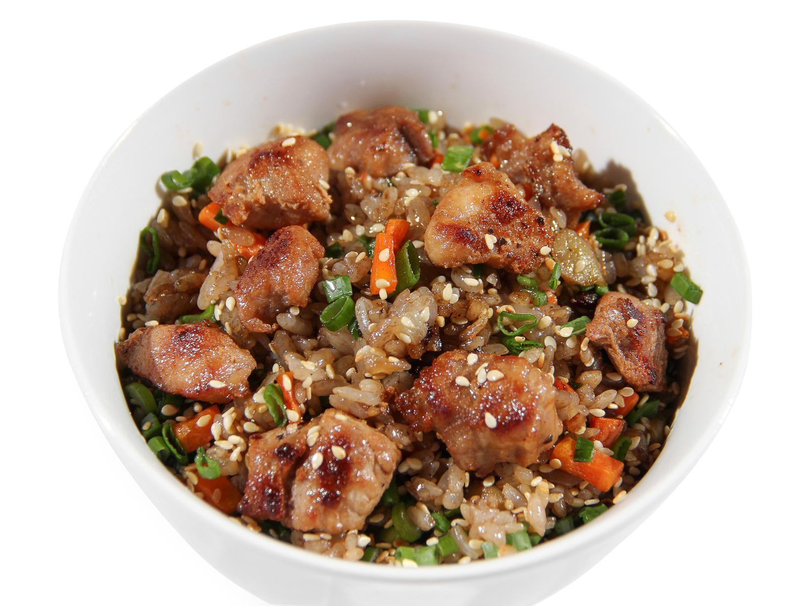 Чесночный рис со свининой
