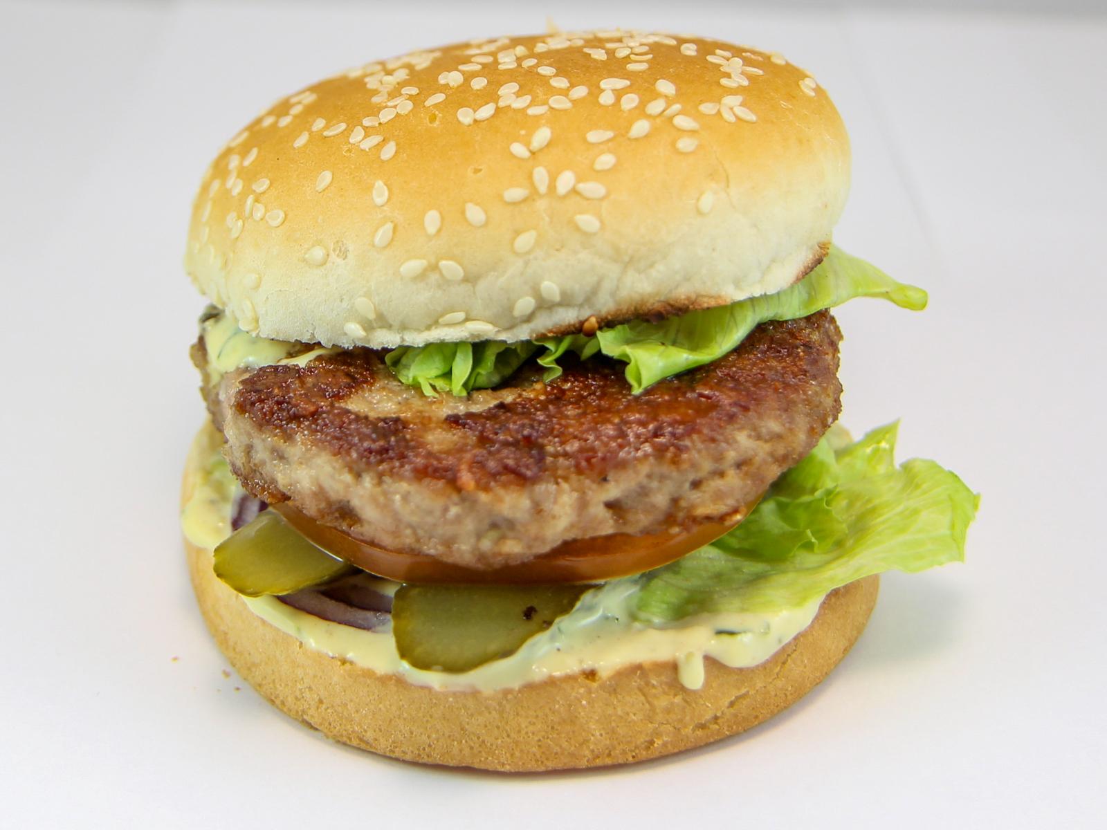Гамбургер из мраморной говядины и свинины