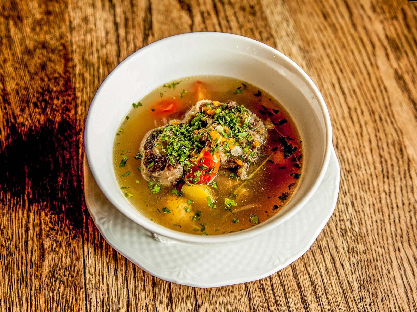 Похмельный суп из бычьих хвостов