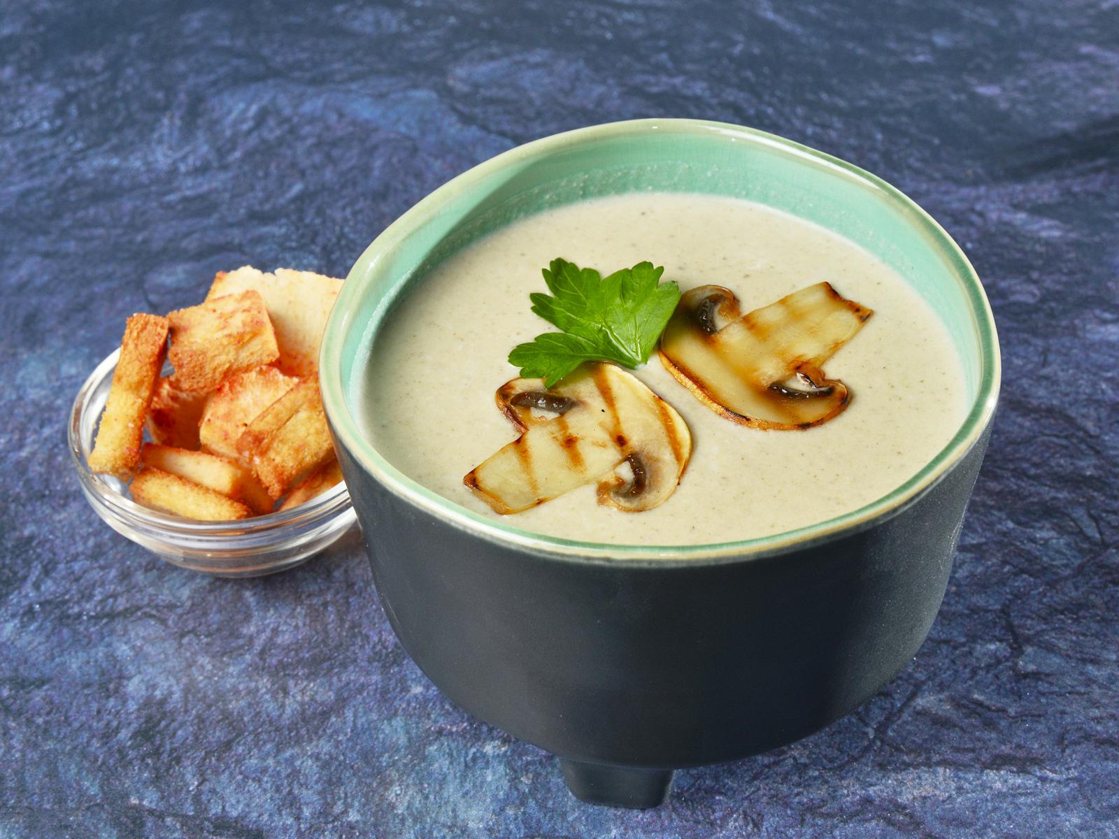 Ароматный крем-суп из грибов
