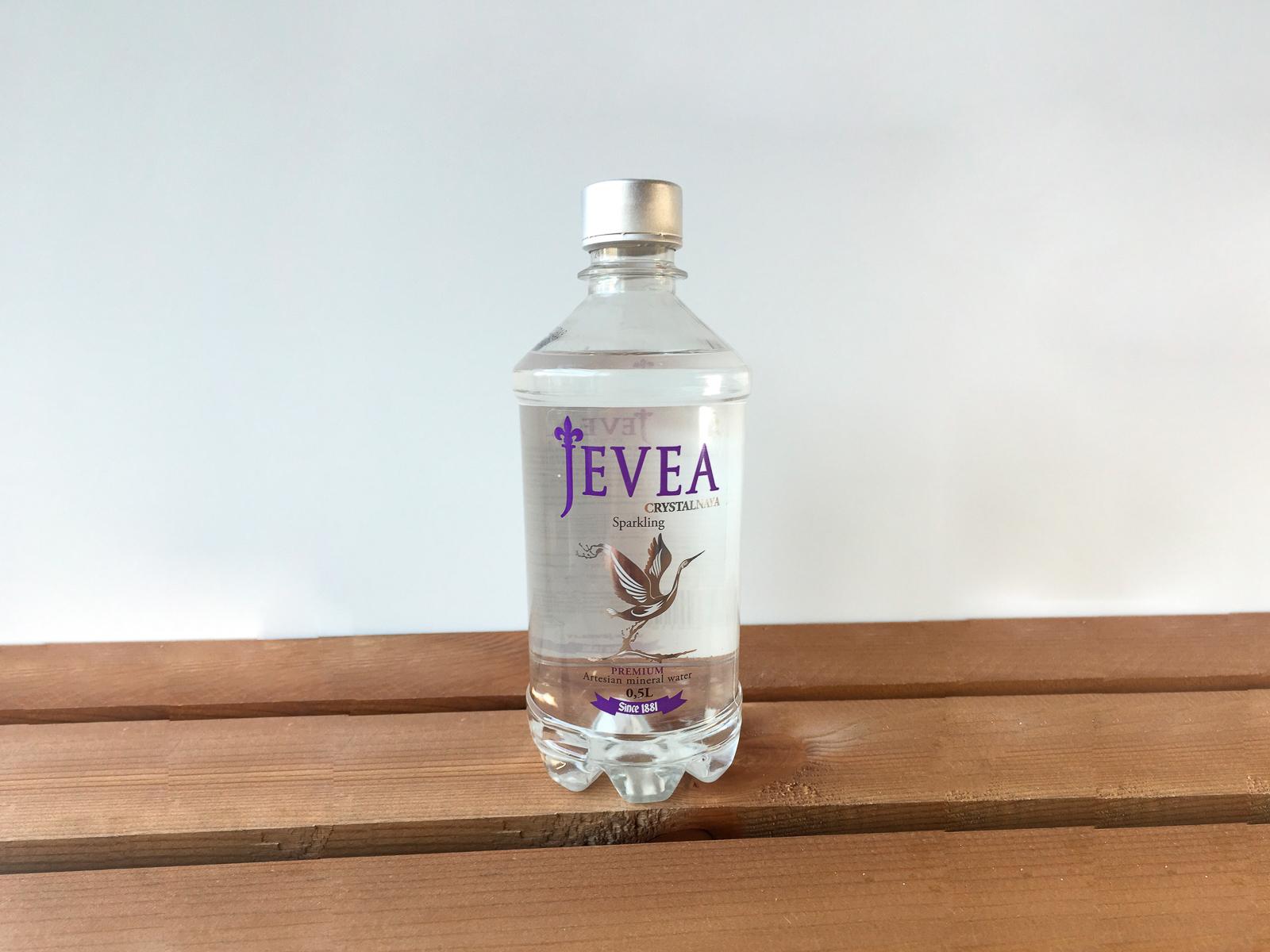 Вода Jevea газированная