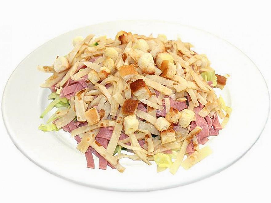 Салат Блинный с салями