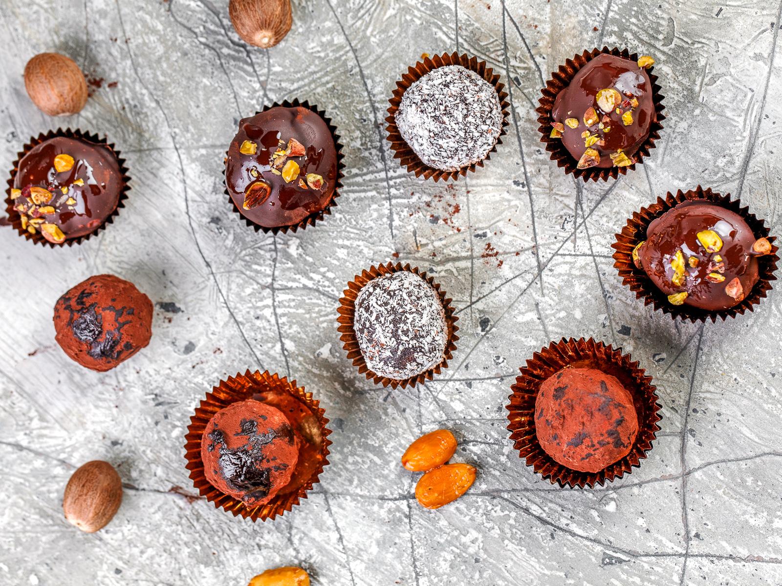 Конфета Чернослив в шоколаде