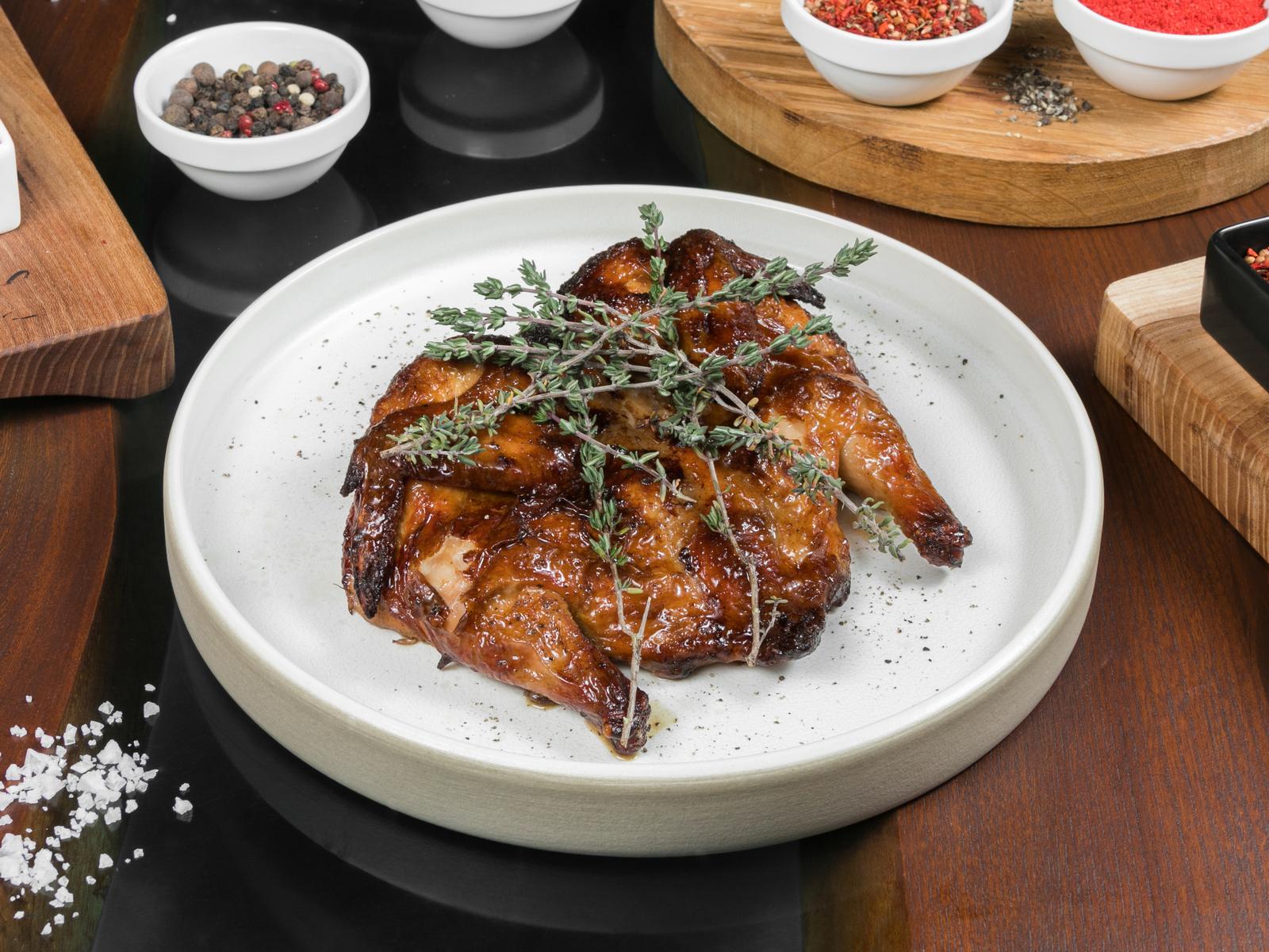 Запеченный фермерский цыпленок с тимьяном