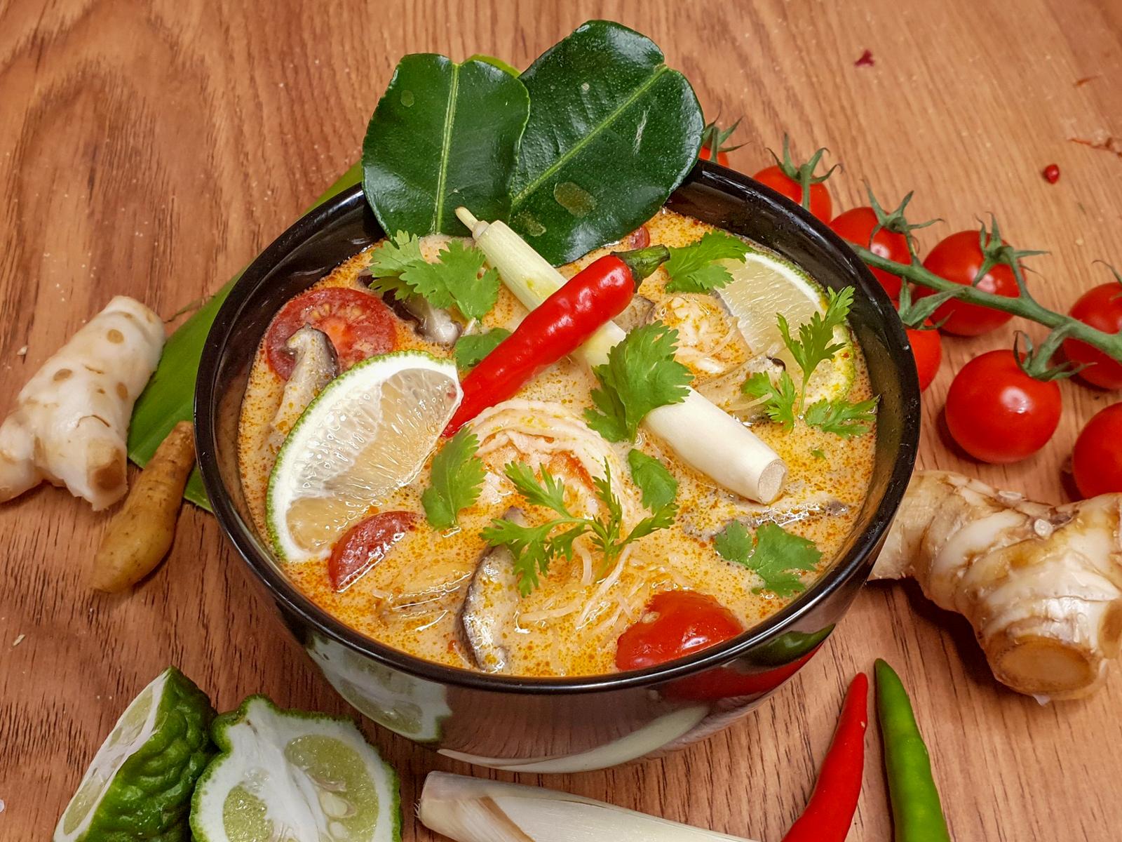 Острый тайский суп Том-Ям