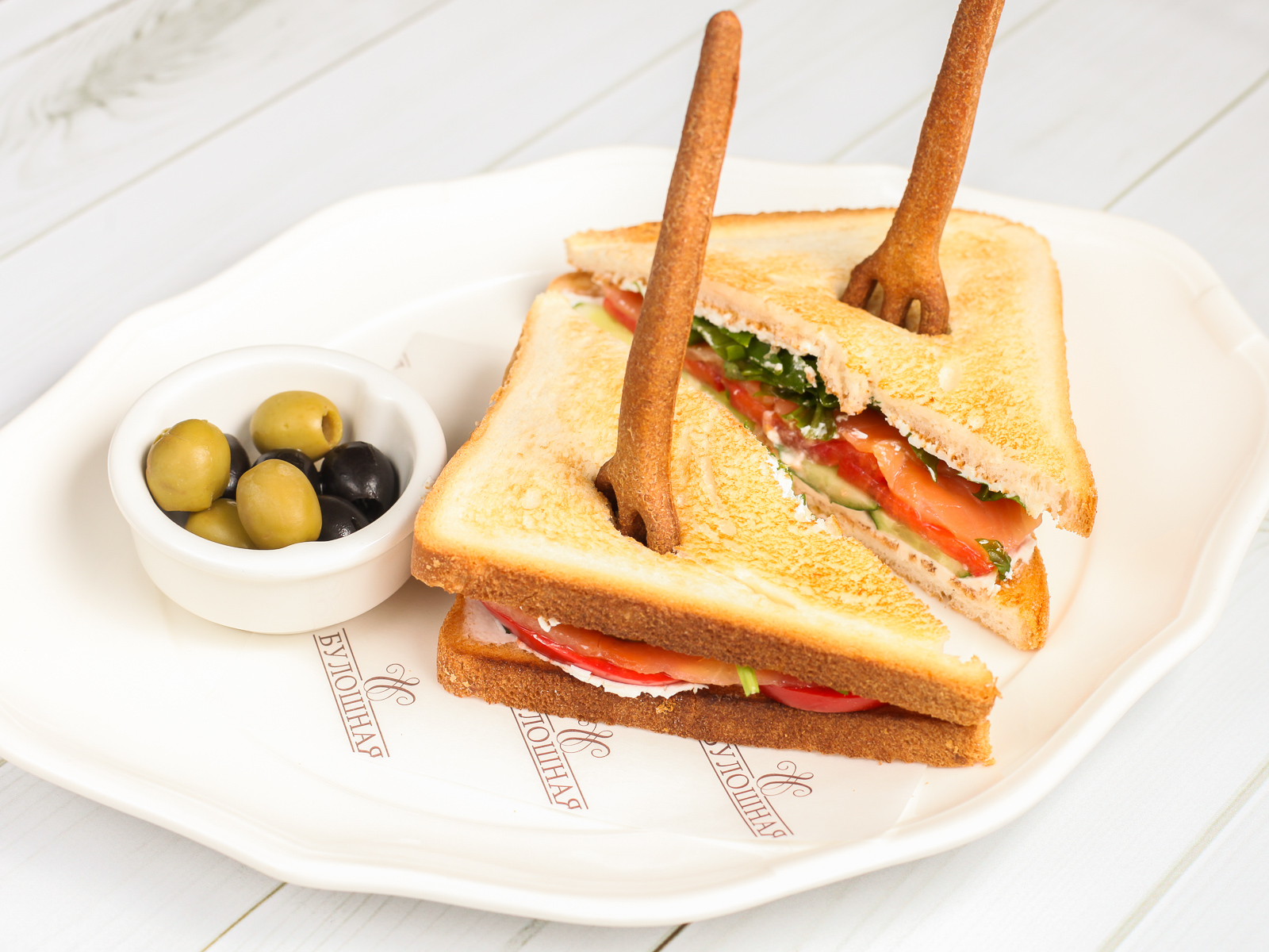 Сэндвич с куриной грудкой на углях