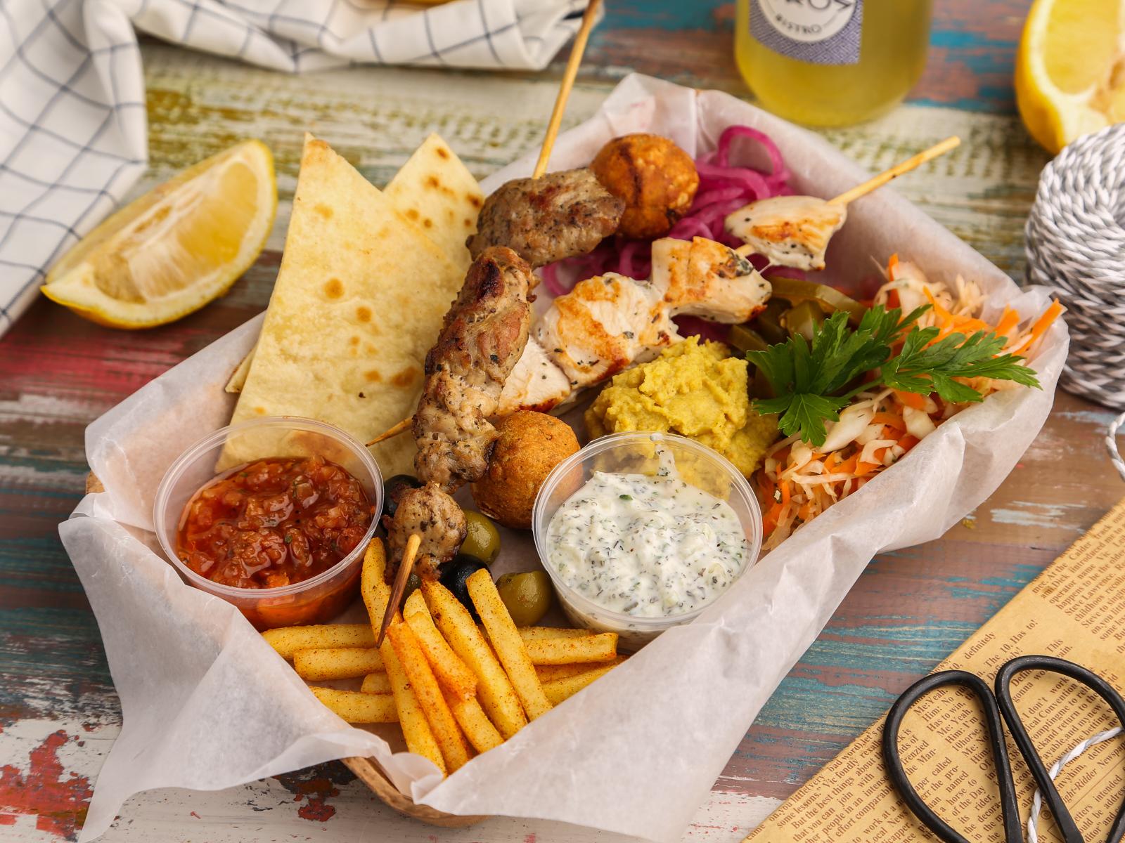 Мясное Мезе - тарелка греческих закусок