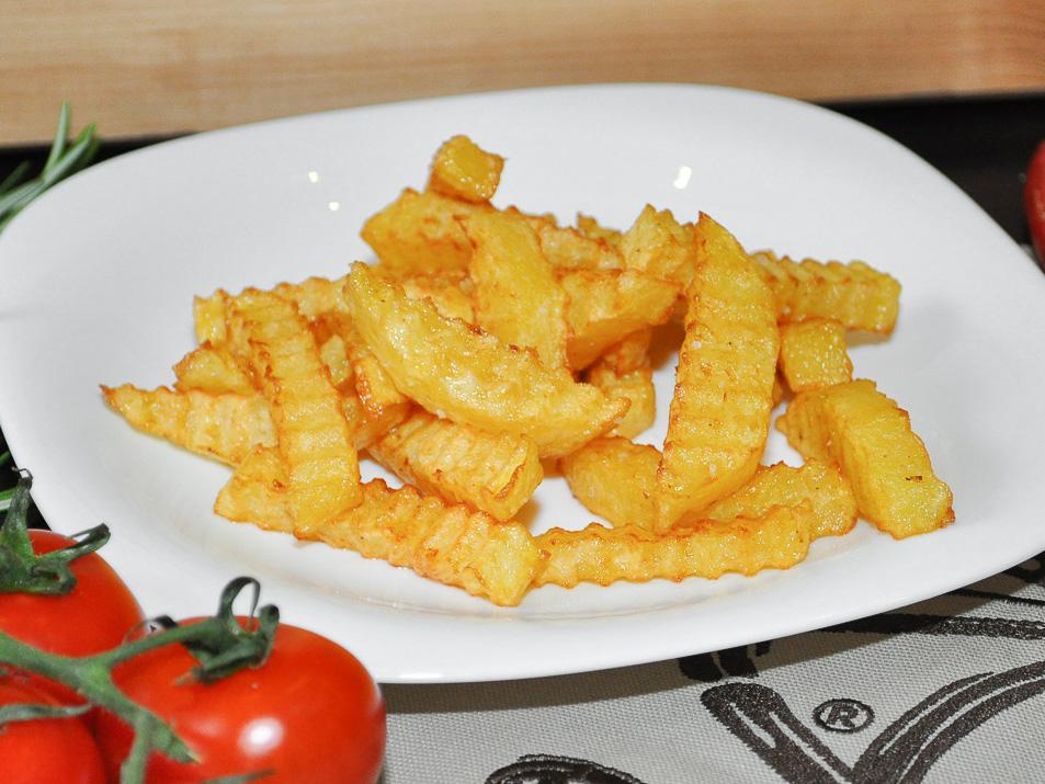 Картофель фри с зеленью