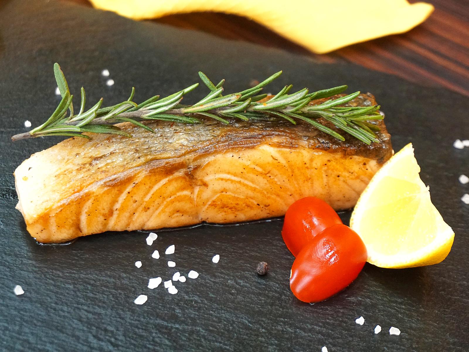 Стейк из лосося классический