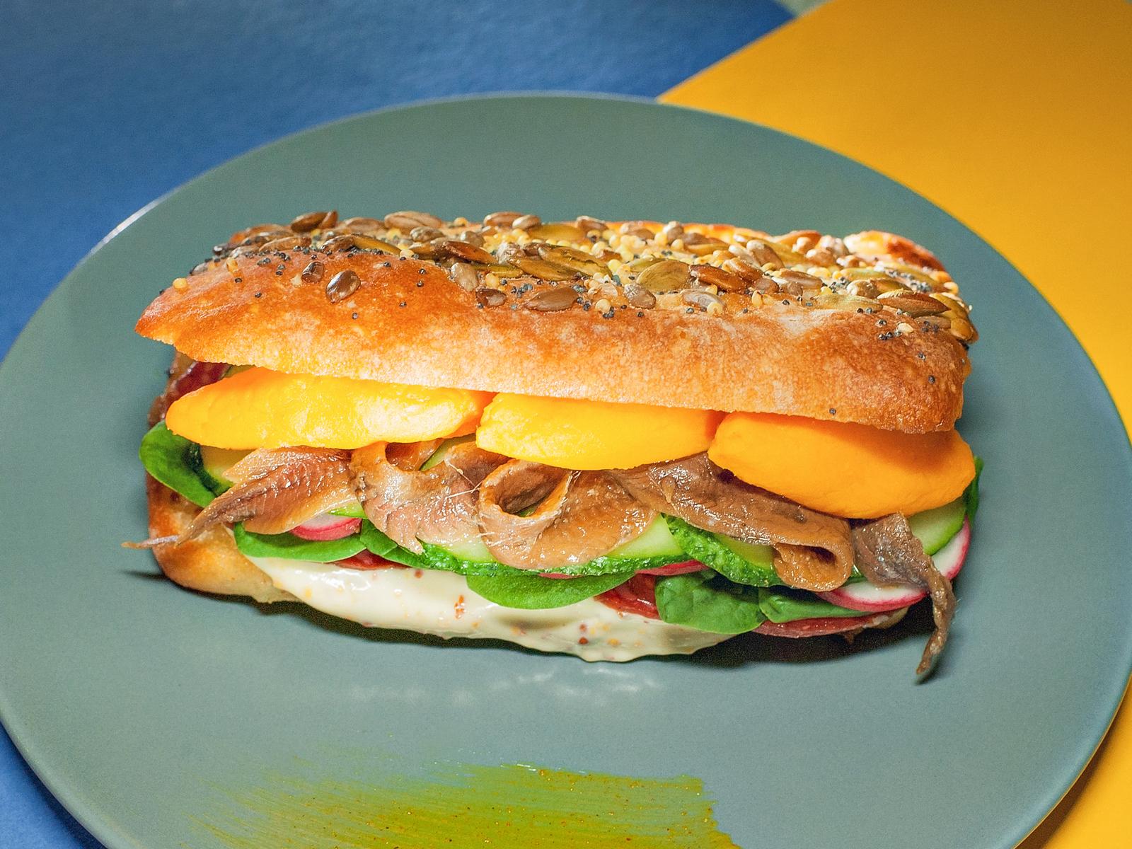 Сэндвич с брауншвейской колбасой