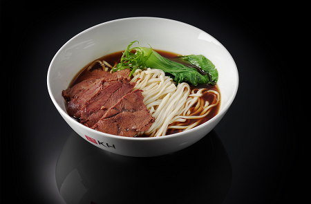 Очень щедрая порция тайваньской лапши с говядиной в бульоне (600 гр)