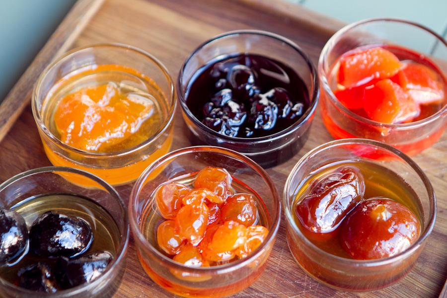 Варенье на выбор: вишня, белая черешня, инжир, абрикос, грецкий орех