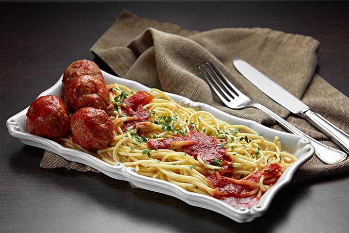 Тефтели со спагетти в соусе маринара