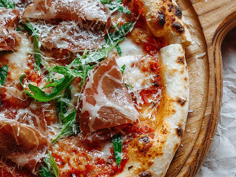 Пицца Прошутто с пармезаном