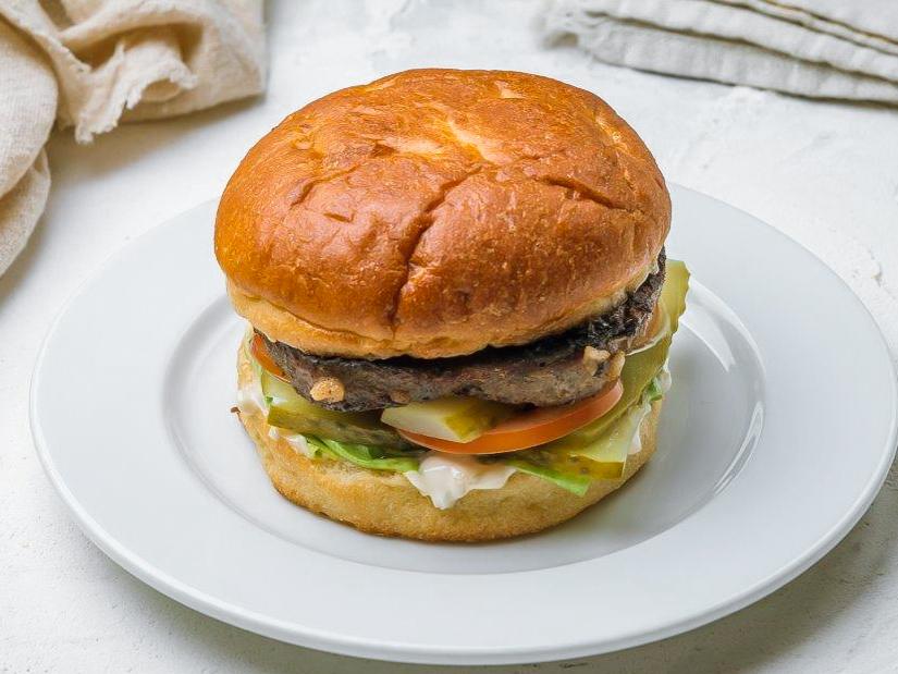 Мюнбургер с мясной котлетой