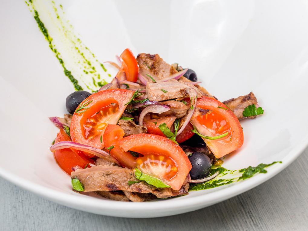 Салат с телятиной гриль