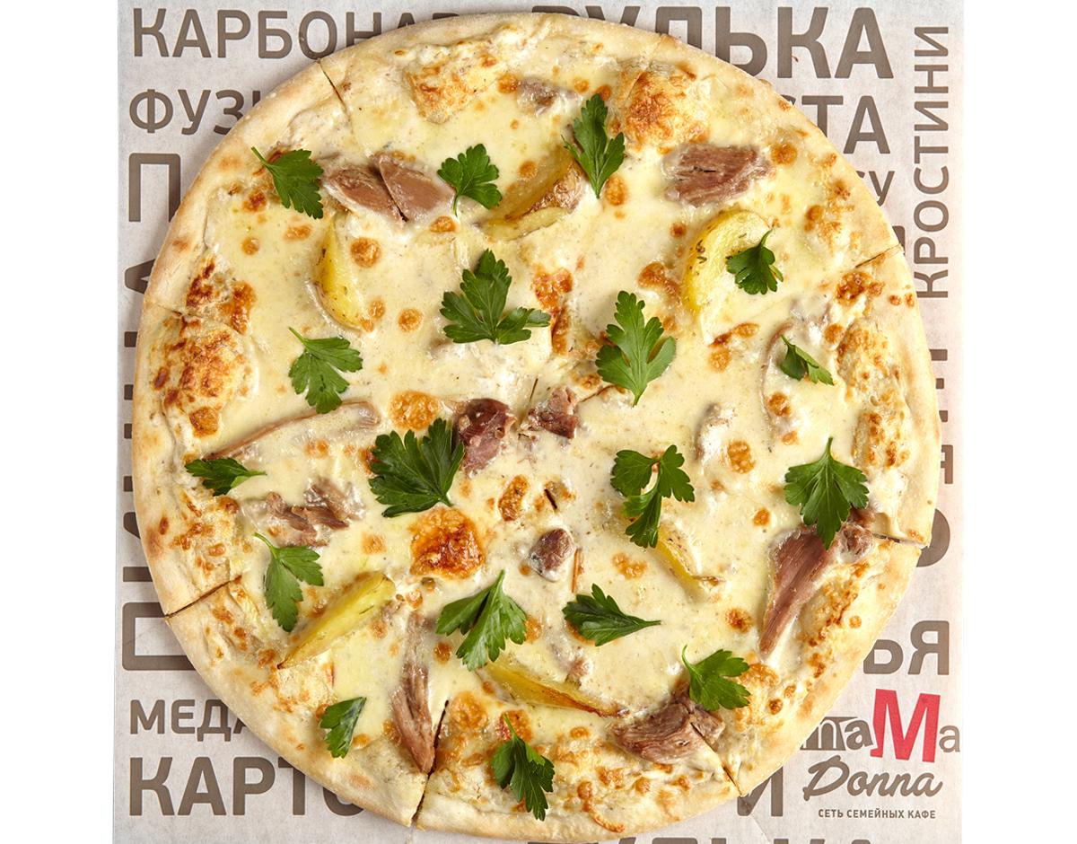 Пицца с томлёной уткой и трюфельным соусом