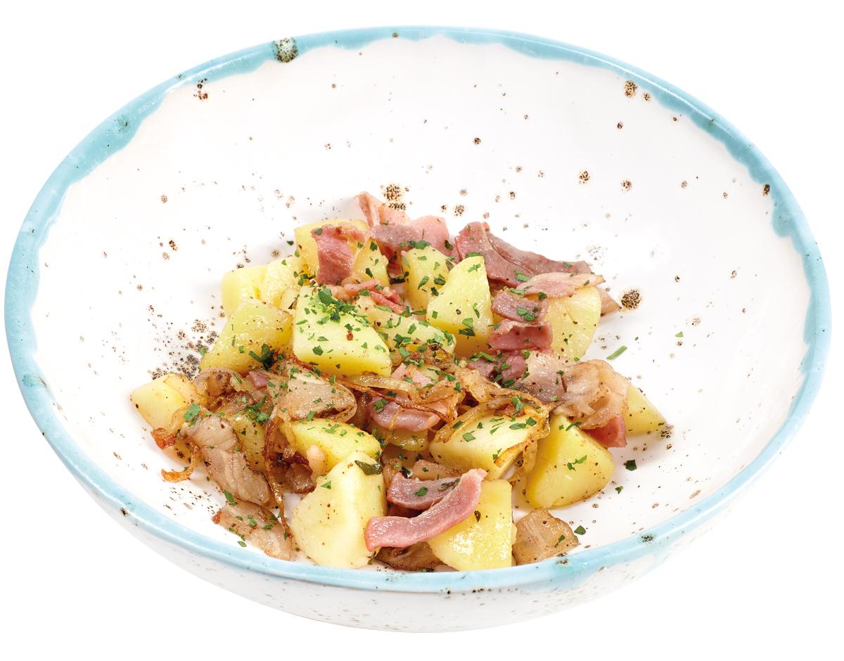 Жареный картофель с беконом