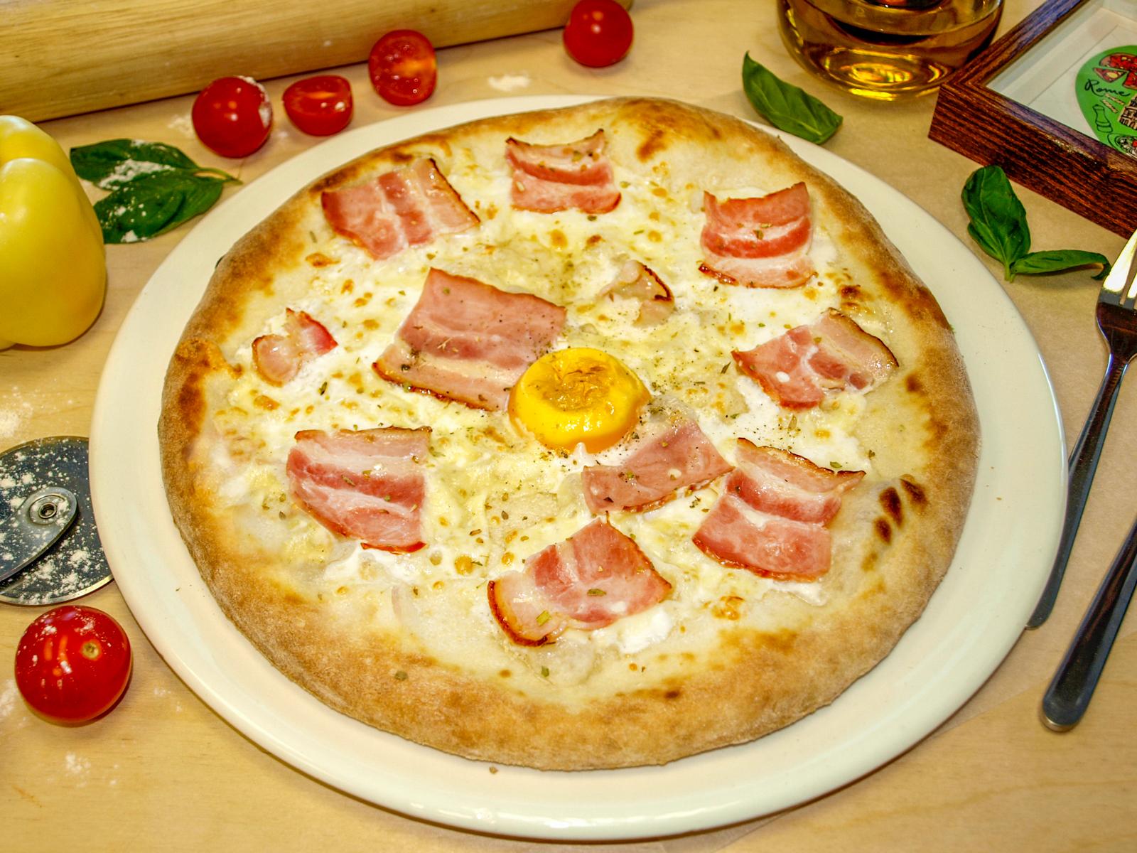 Пицца Карбонара белая