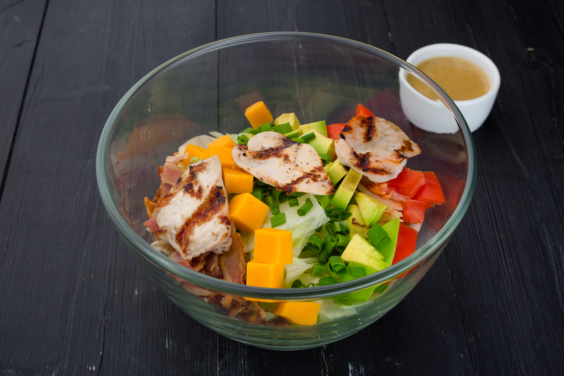 Кобб салат с индейкой