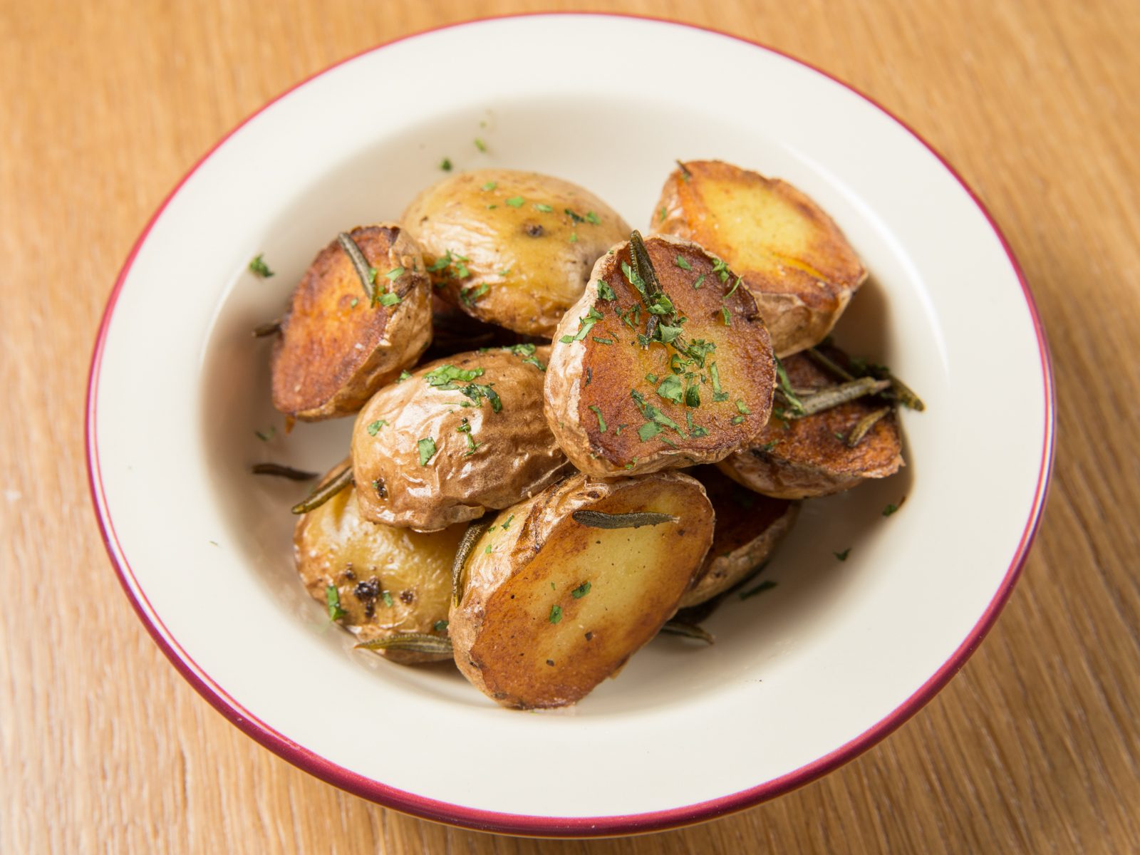 Жареный картофель con rosmarino