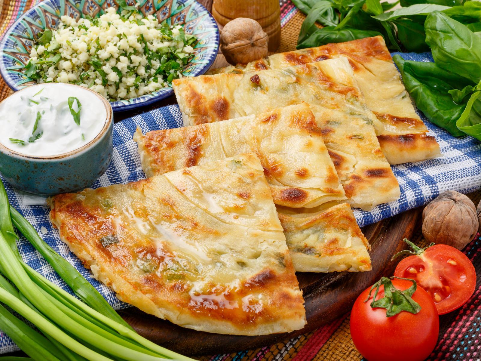 Катлама с зеленью и сыром