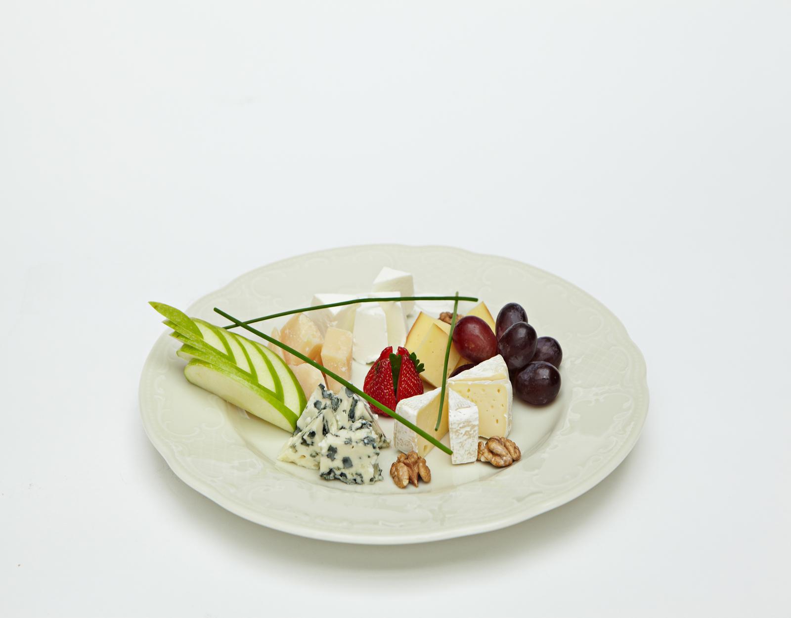 Ассорти сыров (пять видов сыра)