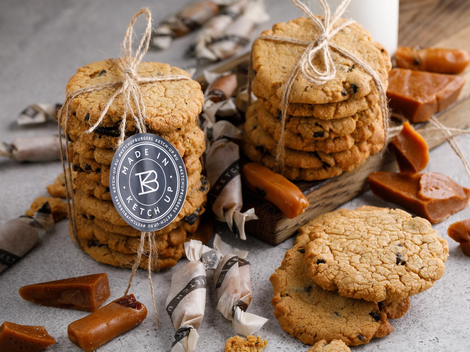Печенье с арахисовой пастой и чёрным шоколадом