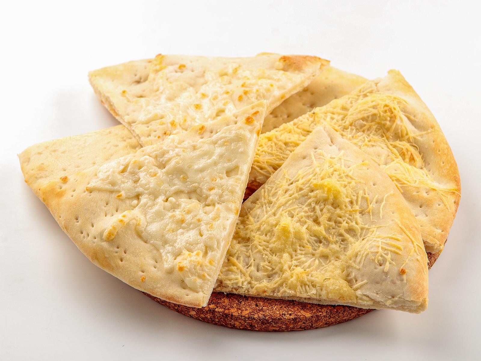 Фокачча с сыром моцарелла