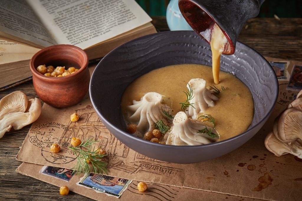 Грибной крем-суп с хинкали