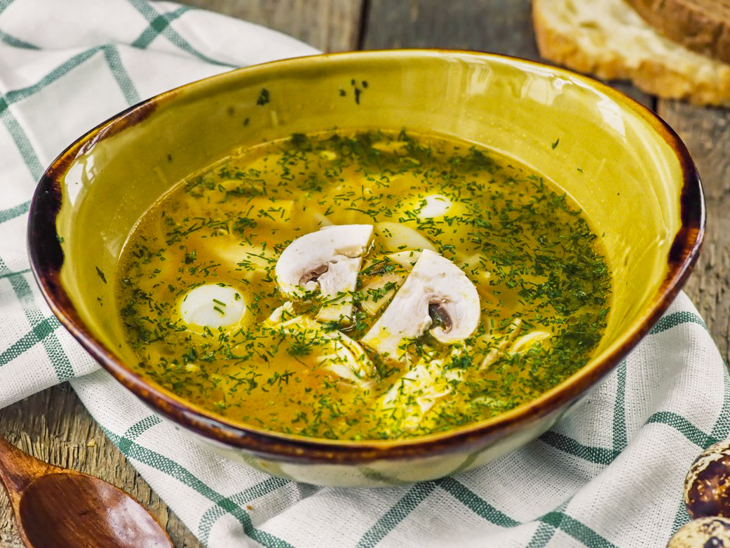 Суп-лапша с курицей и грибами