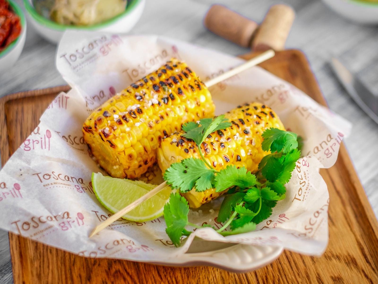 Початок кукурузы с лаймовым маслом