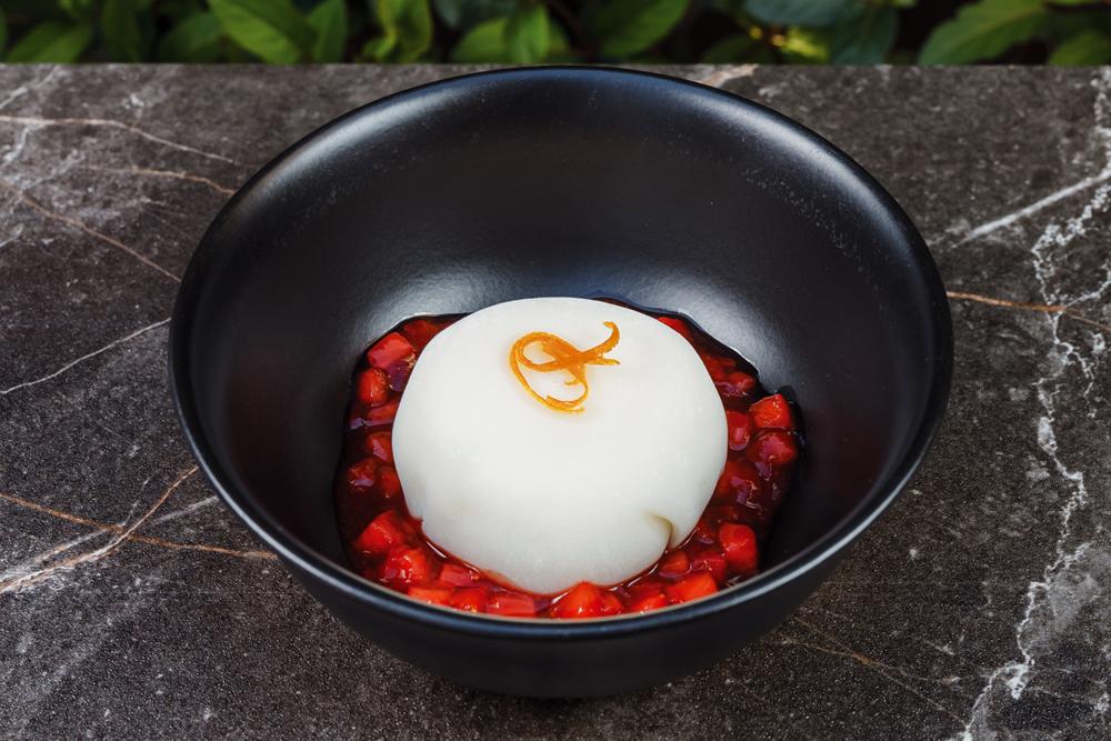 Японское вагаси из белого шоколада