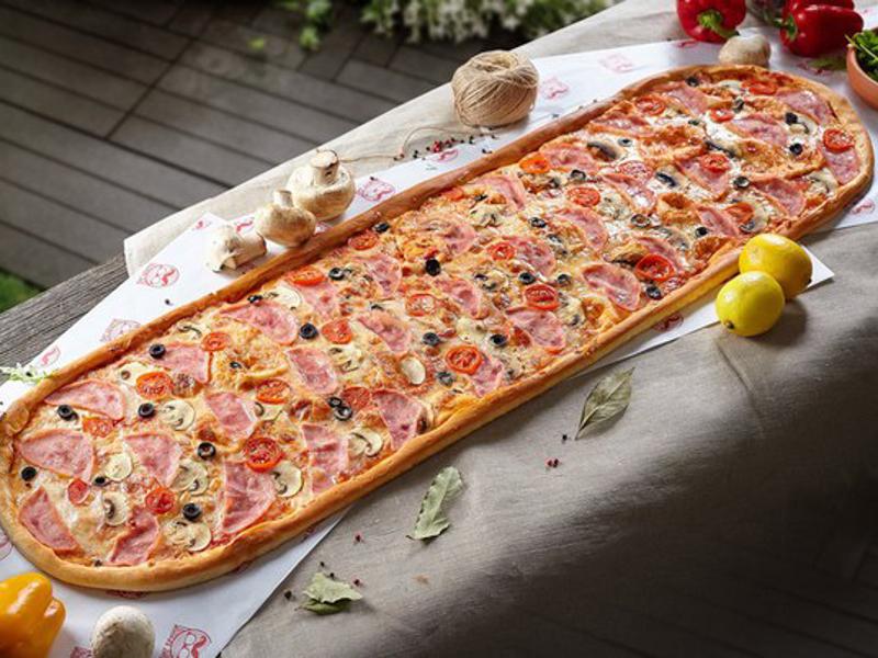 Метровая пицца Капричеза