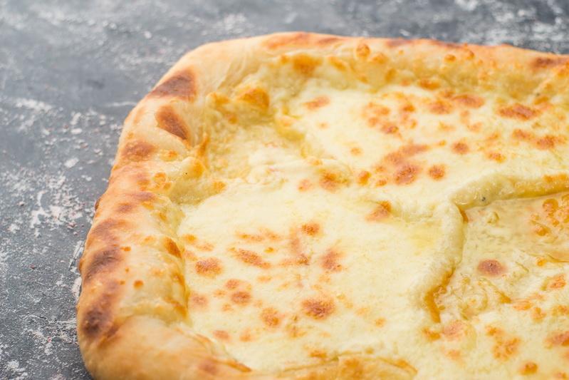 Хачапури с тройным сыром
