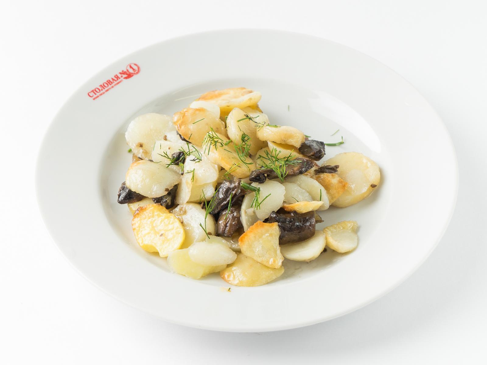 Картошка жаренная с грибами