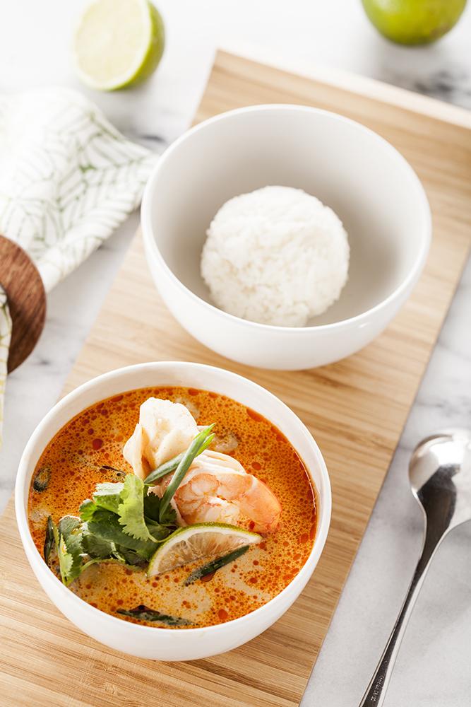 Суп Том Ям с морепродуктами и шампиньонами