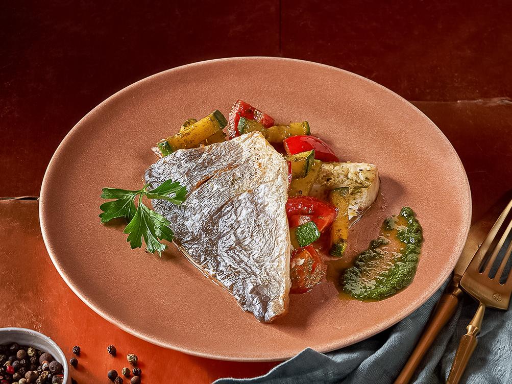 Филе Дорадо с овощ. в соусе \