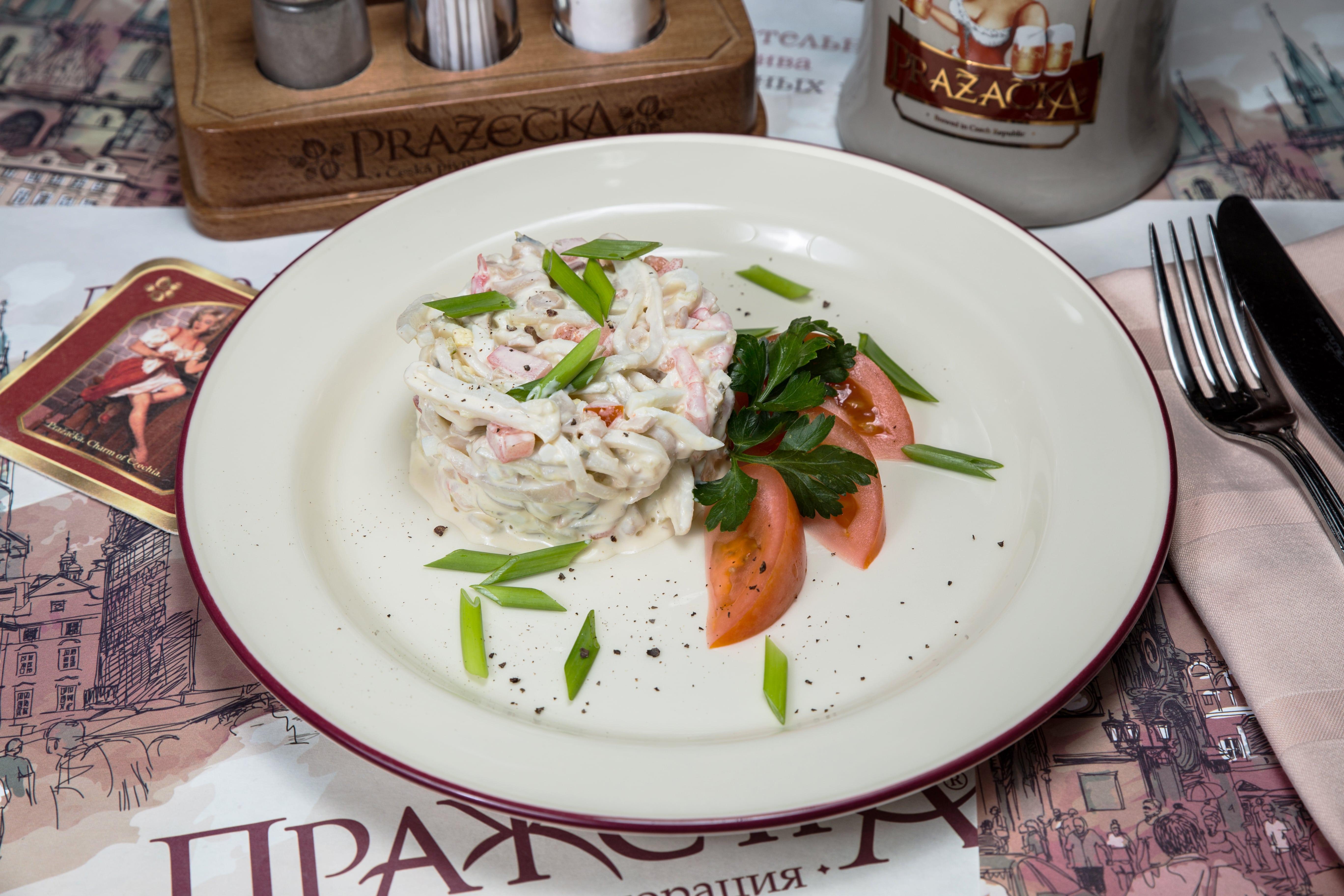 Салат из кальмаров с креветками
