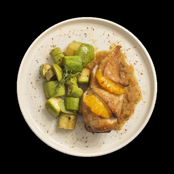 Филе куриное с апельсиновым чатни и гарниром из кабачков