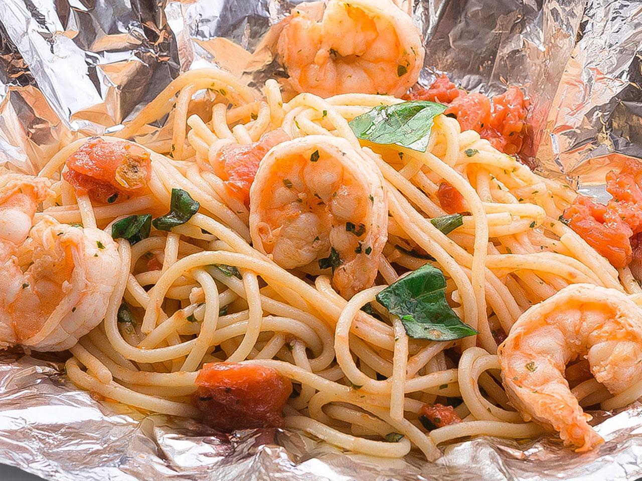 Спагетти Маринара с тигровыми креветками
