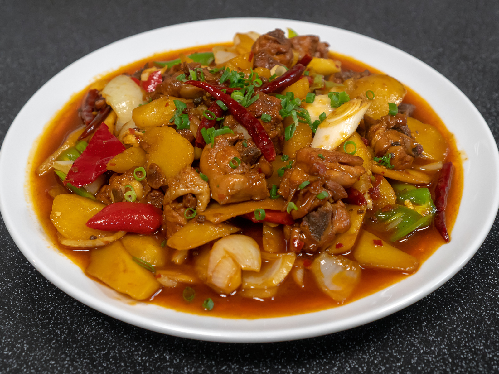 Пряная курица в остром соусе в стиле Шаван