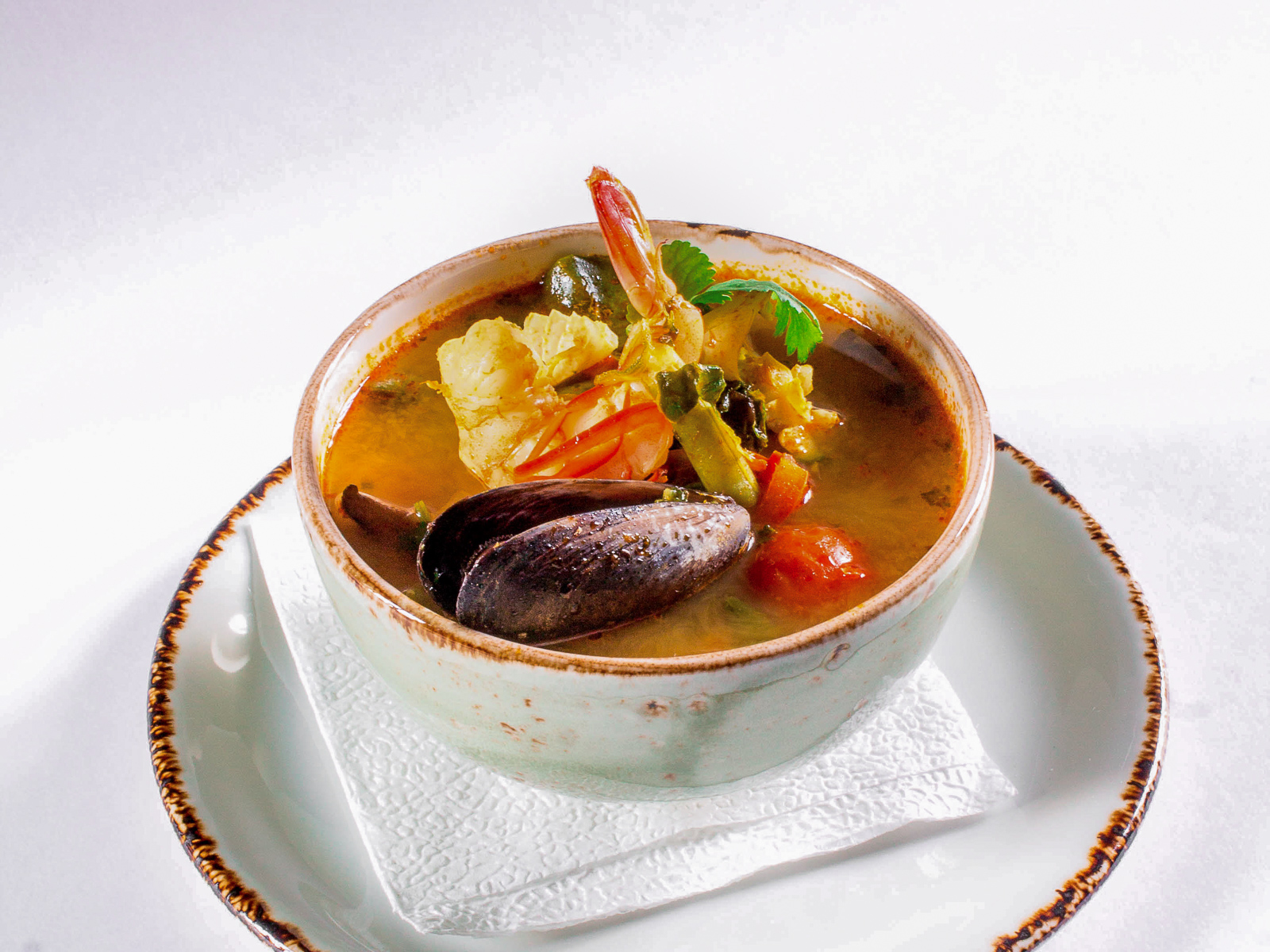 Острый тайский суп Том Ям