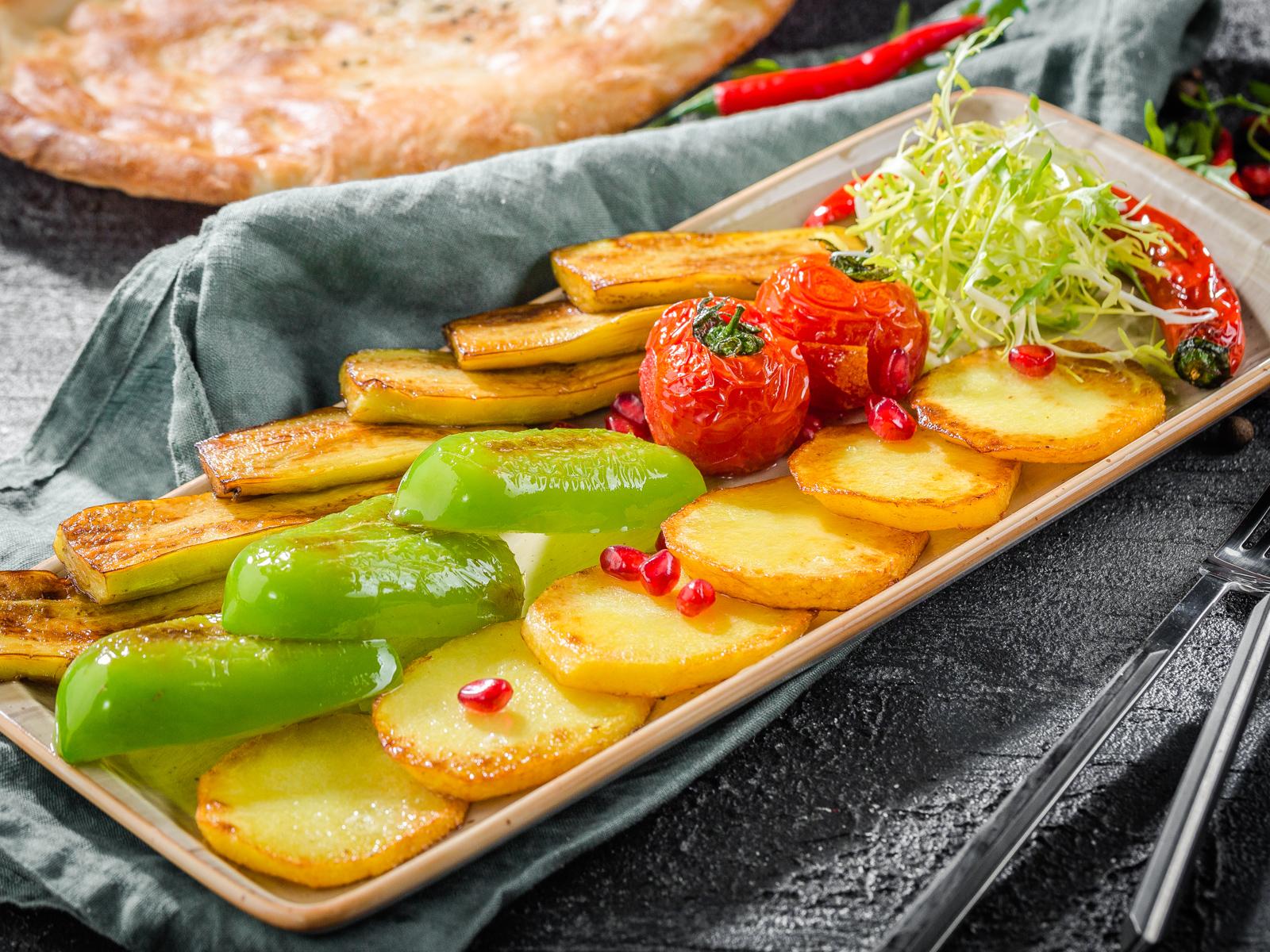 Овощи жареные по-бакински на сковороде