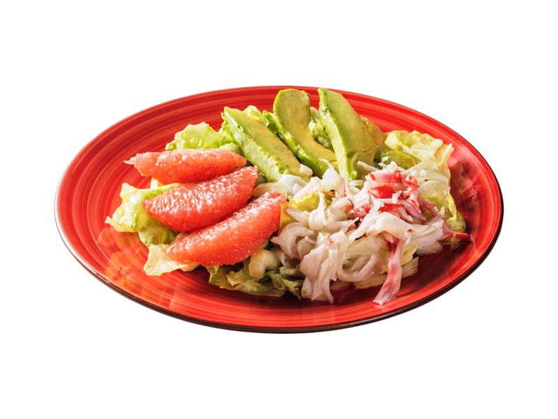 Салат со снежным крабом и авокадо
