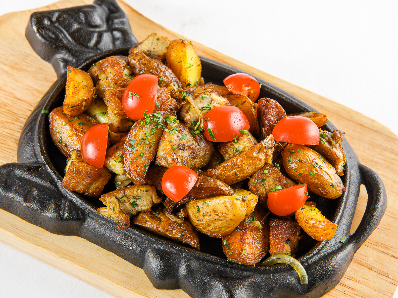 Жаркое из свинины с овощами и специями