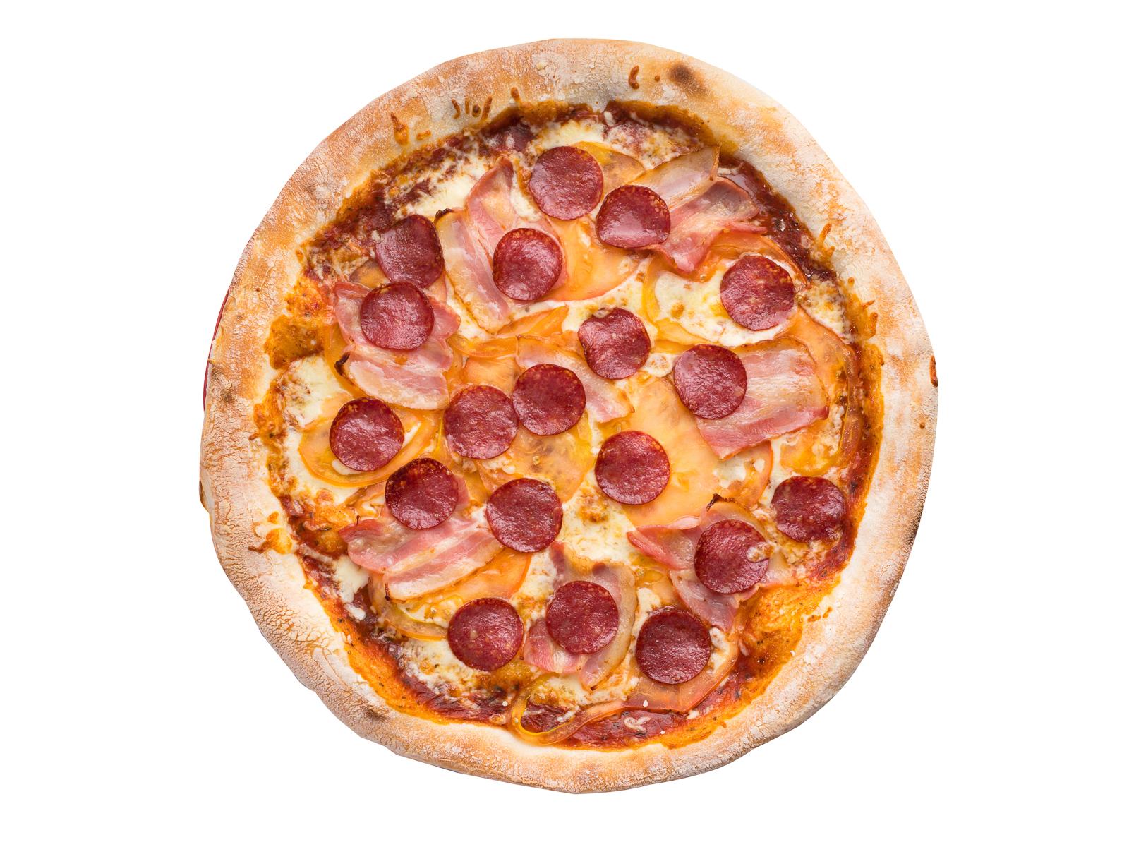Пицца с беконом и салями